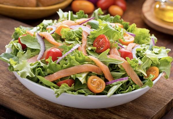 salat-mit-raeucherlachs-rezept